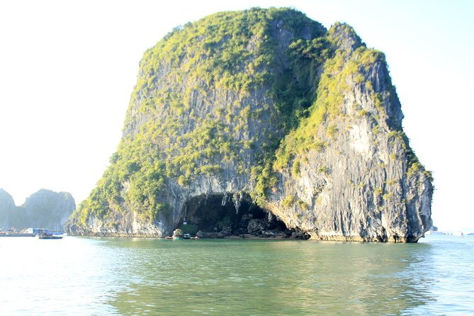 Halong Luxury Cruise 2D/1N: Kayaking, swimming, Titop island, Surprise cave photo 21
