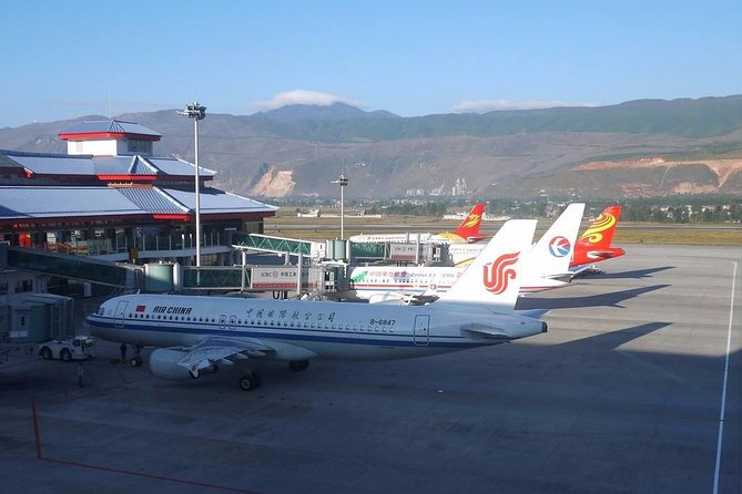 Private Lijiang Sanyi International Airport Arrival Transfer to City Hotels