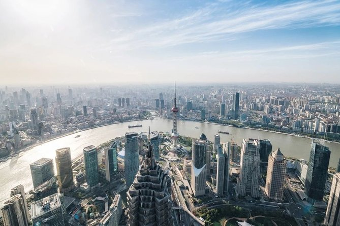 Private Layover Tour of Shanghai Tower and other Iconic Attractions with Pickup