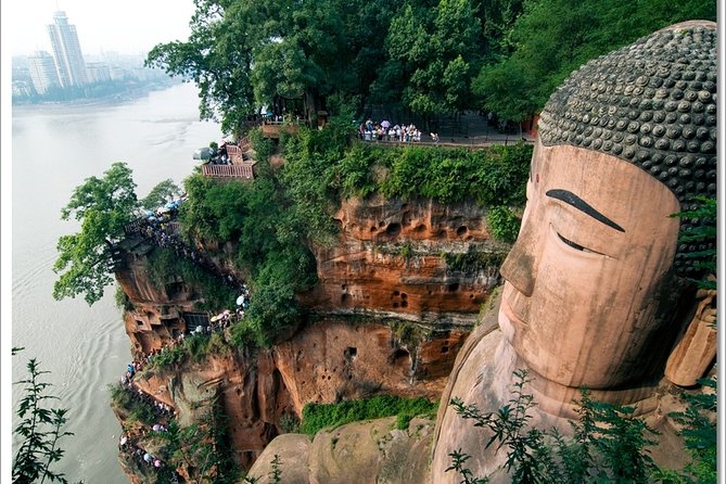 Private Day Tour Leshan Giant Buddha and Fishing Village from Chengdu
