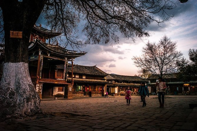 Private Round-Trip Transfer Service to Shaxi Ancient Town from Lijiang