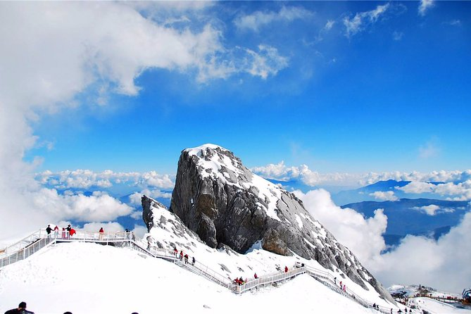 Lijiang Private Essentials Tour to Jade Dragon Snow Mountain including Cable Car