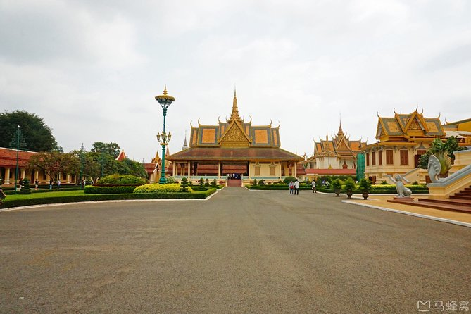 Full-Day Phnom Penh City & Silk Island with a local Tuk Tuk Tours photo 9