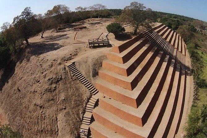 Small-Group Half-Day Archeological Tour to Xihuacan in Ixtapa