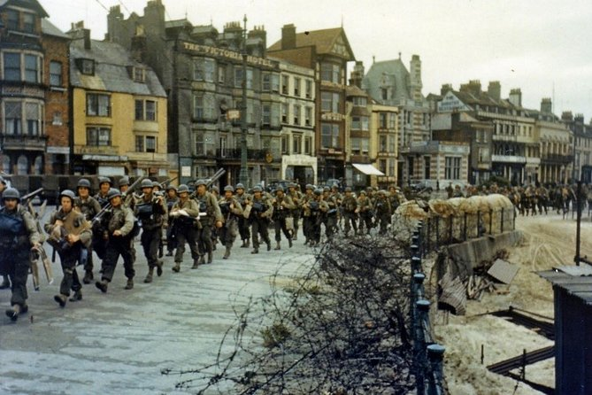 Private and complete excursion to the Normandy beaches Van from PARIS