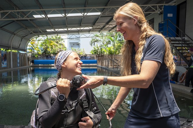 Learn To Scuba Dive: 4 Day Great Barrier Reef PADI Open Water Course Day Trips