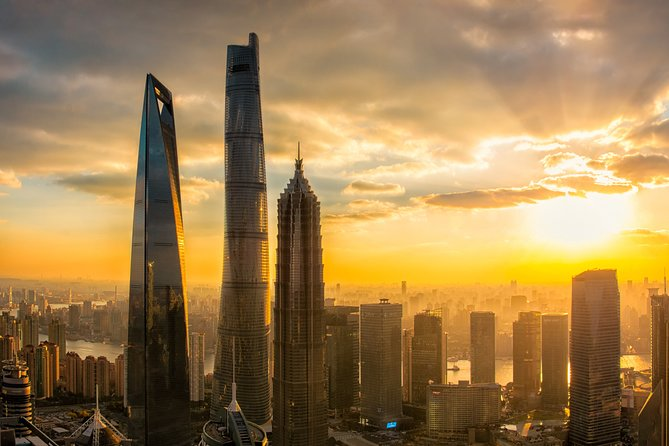 Private Layover Tour of Shanghai City Highlights and Sunset in Shanghai Tower