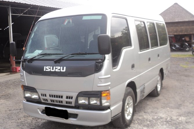 Airport Transfer Service to Canggu//Kerobokan/Sanur/Nusa Dua/Jimbaran ( 8 Seat)