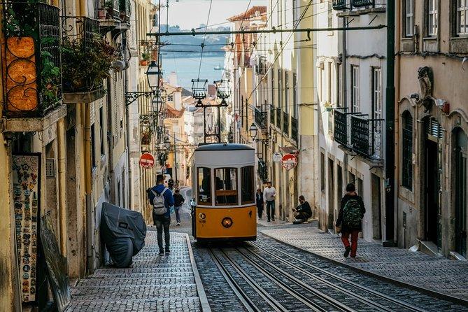 Lisbon Historical Vintage Tour: Romantic Lisbon