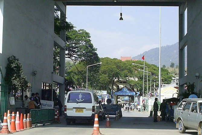 Chiang Rai City Hotel Or Airport To Hotel In Mae Sai/border Or V.v.