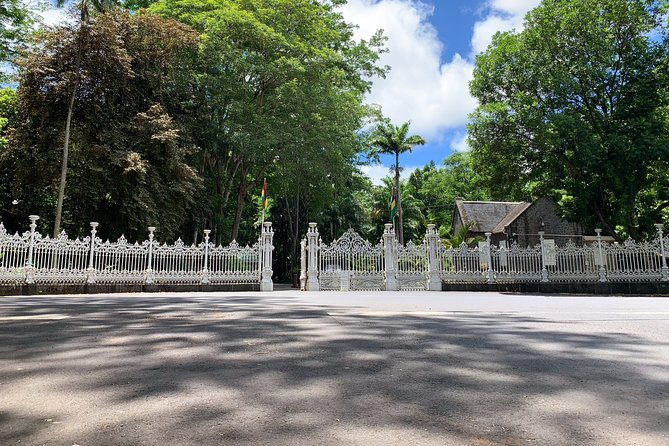 Full Day Private custom Tour with Drive-Guide in Mauritius