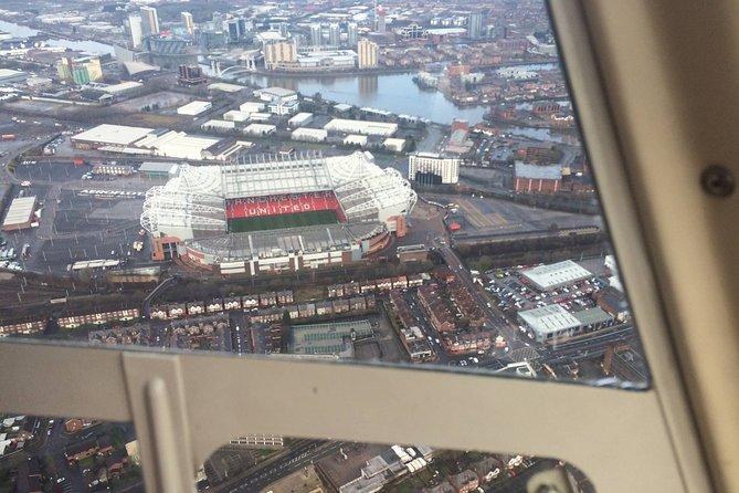 1-Hour Sightseeing Flight around Manchester