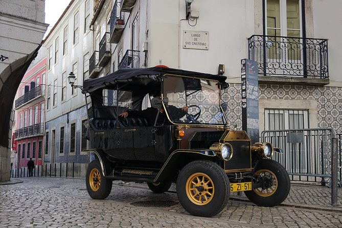 Lisbon Historical Vintage Tour: Typical Lisbon photo 3