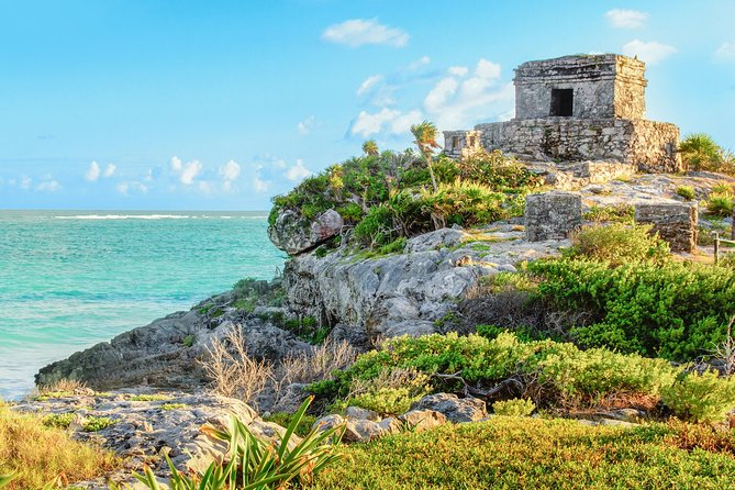 Departure Private Transfer from Tulum to Cancun Airport CUN by Minivan