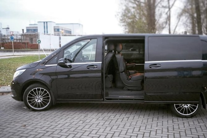 Antwerp Shuttle Transfer <-> Schipol Airport Amsterdam (1 to 8 Places)