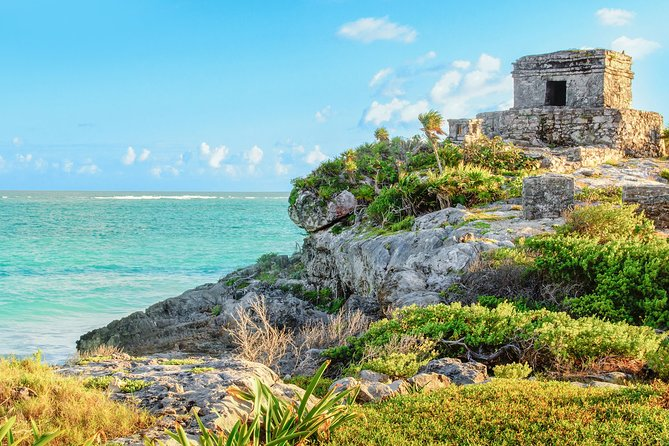Private Tour With Photographer Tulum And Chichen Itza With Swimming In Cenote