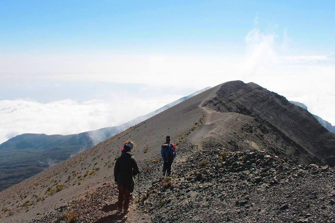 5 Days Trek in Mount Meru from Arusha