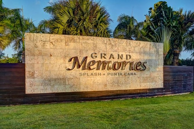 SUBURBAN or CADILLAC Punta Cana (PUJ) to ALL MEMORIES RESORTS ROUND TRIP