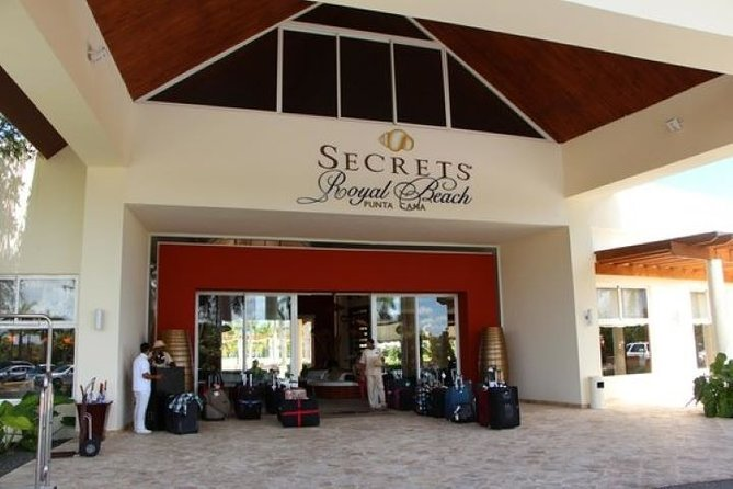 SUBURBAN or CADILLAC Punta Cana (PUJ) to SECRETS ROYAL BEACH RESORT ROUND TRIP