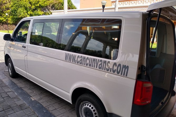 Cancun Airport Private Transfer One Way:To or From Playa del Carmen Up to 3Pass.