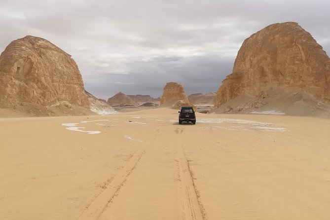 2 Days White Desert and Bahariya Oasis Tour