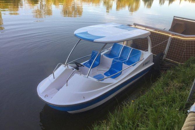 Electric boat rental