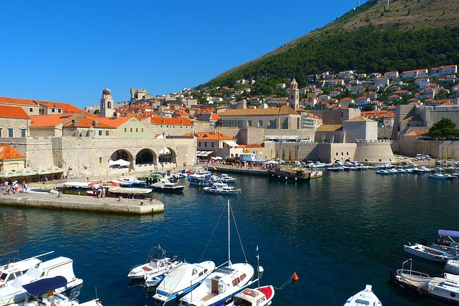 Private arrival OR departure transfer in Dubrovnik (hotel OR airport pick-up)