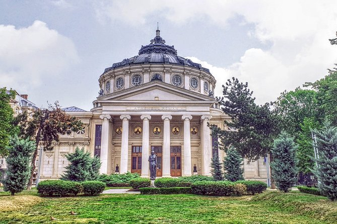 Bucharest's Most Popular - Panoramic Private Car 5hrs Tour