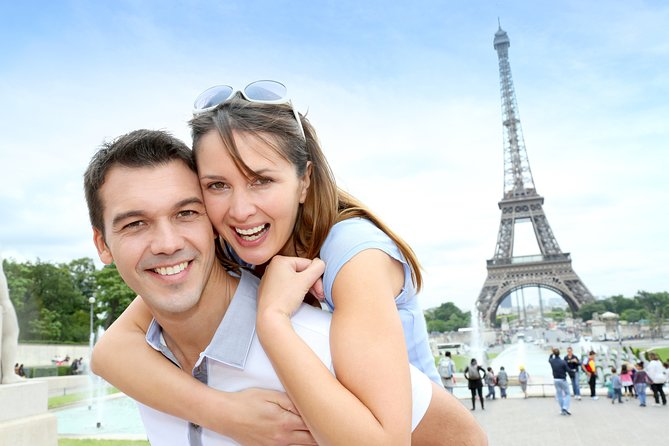Discover Paris at your Leisure Tour via Eurostar, with Seine Cruise &Travelcard