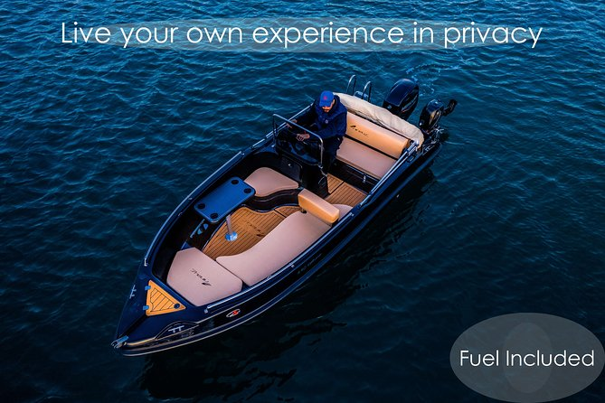 Full and Half-Day Boat Rental in Santorini - License Free