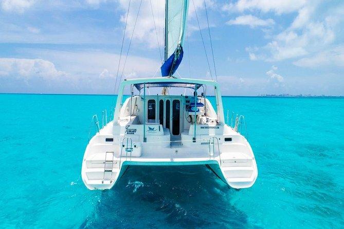 Catamaran Isla Mujeres in the Mexican Caribbean