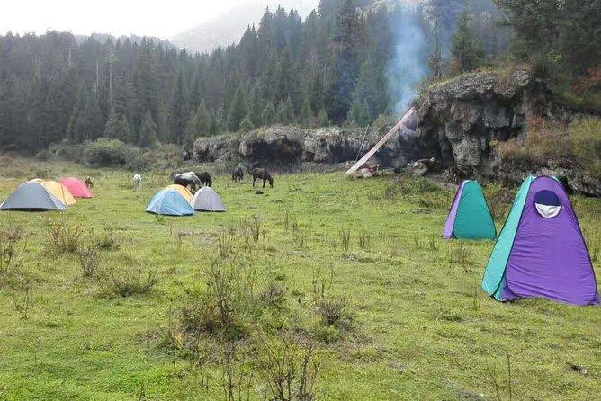 2 Days Huanglong Munigou Valley Horse Trekking Tour