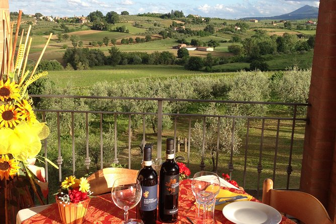 "Menu with a ""View"" in the enchantment of the Tuscan hills"