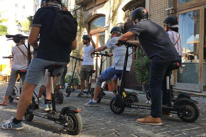 Lisbon: Alfama & Mouraria Tour by E-scooter
