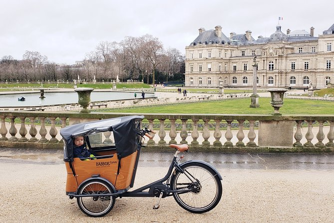 Full-Day Family Bike Rental in Paris