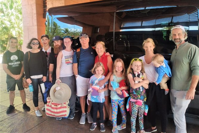 Small Group/ Family Private Roundtrip Airport Shuttle