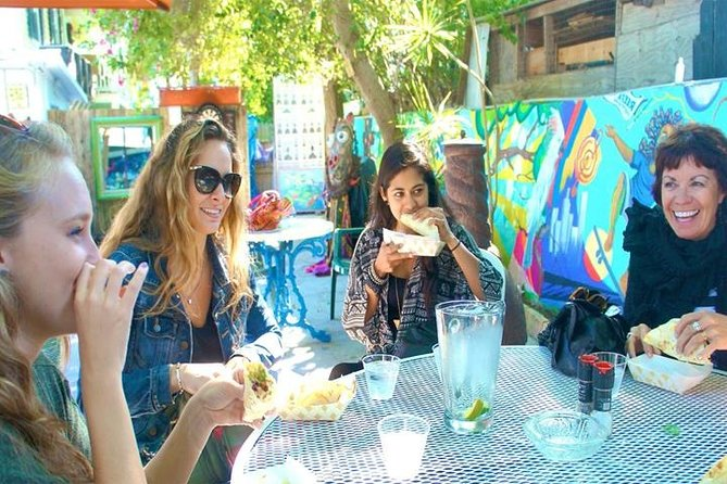 Cultural Walking Tour of Key West with Food and Drink Tastings