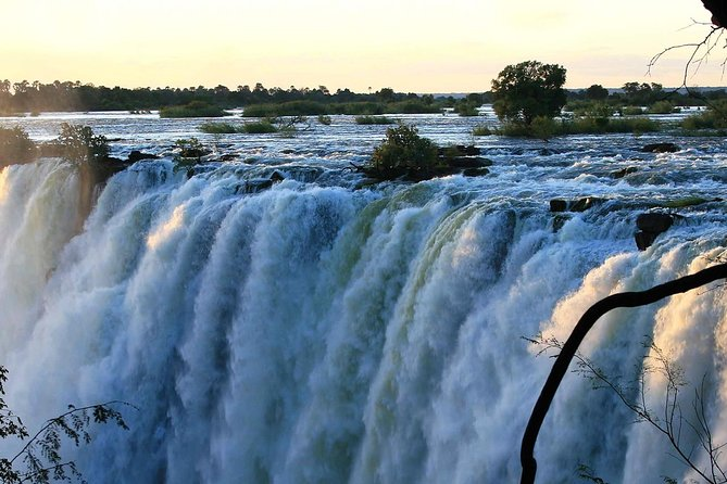 Victoria Falls and Zambezi Park 2-Day Tour with Accommodation