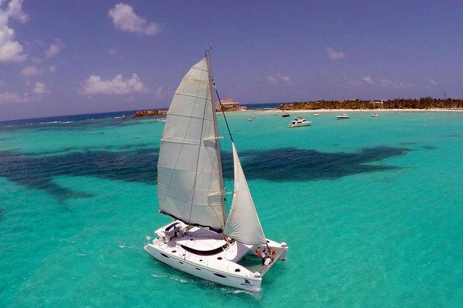 Amazing Catamaran Tour Isla Mujeres in Cancun with Open Bar and Buffet