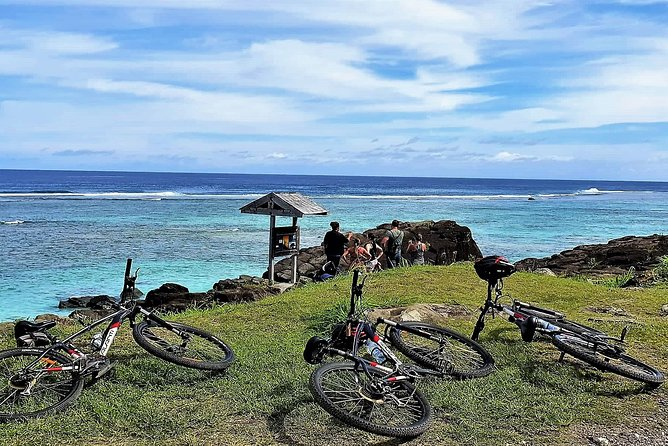 'Discover' Rarotonga Cycling Tour with Lunch