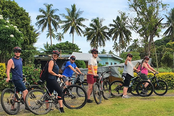 Rarotonga Guided Bike Tour with Lunch