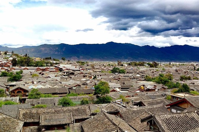 2-Day Private Lijiang Highlights Tour from Shanghai by Plane
