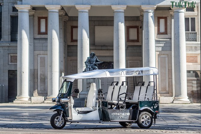 Enjoy a whole day in Madrid by electric tuk-tuk