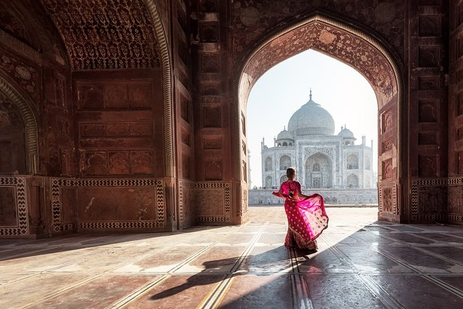 Same Day Agra Tour by Fastest Train from Delhi