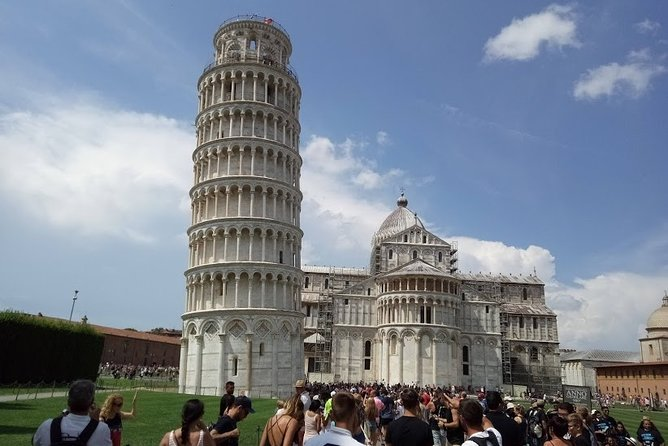 Transfer with stops: 5 Terre - Florence with stops in Lucca & Pisa