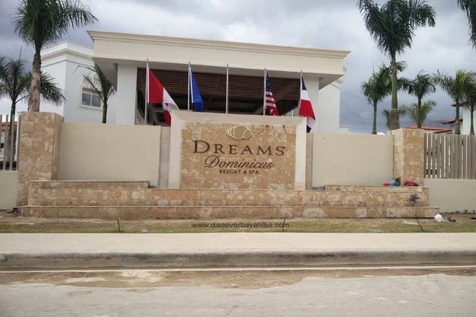 Punta Cana (PUJ) to DREAMS DOMINICUS LA ROMANA RESORT ROUND TRIP