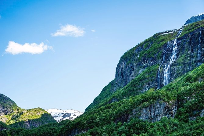 Guided round tour from Flåm - incl World Heritage site Undredal & Flåm Railway