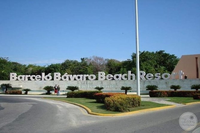 SUBURBAN or CADILLAC Punta Cana (PUJ) to BARCELO PUNTA CANA RESORTS ROUND TRIP