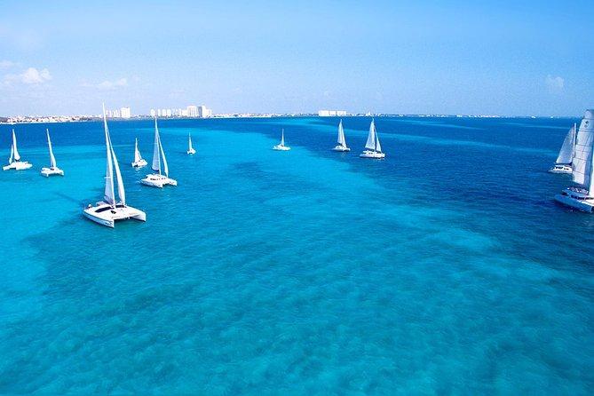 Isla Mujeres Catamaran Tour in Cancun with Buffet and Open Bar on Board