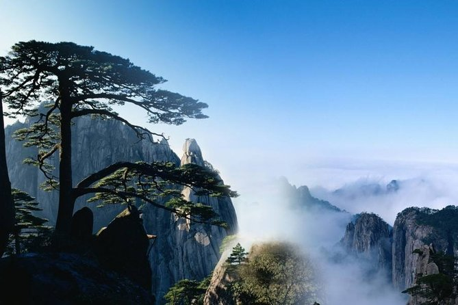 3-Day Huangshan Private Tour:Yellow Mountain,Tangmo Village and Tunxi Old Street